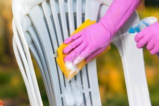 Pourquoi et comment nettoyer son mobilier de jardi...